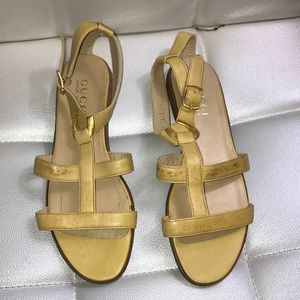 NEW Gucci gladiator sandals strappy yellow
